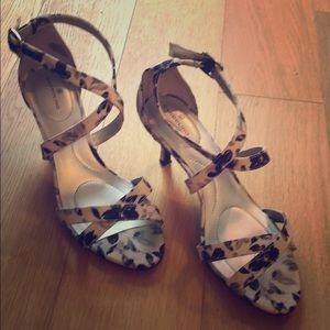 Bandolino kitten heel sandals with pattern